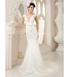 Sexy Ivory Mermaid V-Neck Bow Lace Sweep Bridal Wedding Gown $192.85