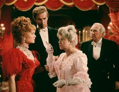 Debbie Reynolds and Harve Presnell in a still from The Unsinkable Molly Brown