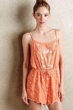 9bfb3e00e427 NWOT ANTHROPOLOGIE ELSPATH EMBROIDERED ROMPER SHORTS BY ELOISE ORANGE sz  Small