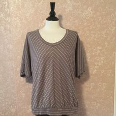 Gray Stripe Tee Top Medium M Gray Stripe Top Short Sleeve Loose Fit V-Neck by Sonoma Lifestyle Metallic Thread Cotton Polyester Blend Medium M EUC Trades Sonoma Tops Tees - Short Sleeve
