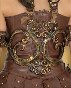 I luv xena this is her back piece thing. Go warrior princess
