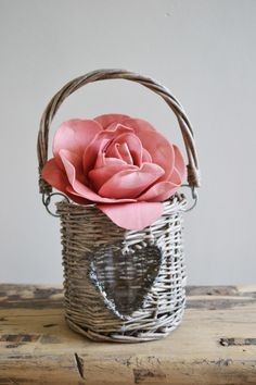 Willow Heart Candle Holder Online Gift Shop, Online Gifts, Wicker Baskets, Candle Holders, Shabby Chic, Sweet Home, Candles, Heart, Home Decor