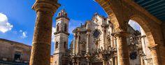 Classée au patrimoine mondial de l'Humanité en 1982, la cathédrale de la Havane est un pur joyau d'architecture baroque religieuse. Située dans l'un des quartiers les plus anciens de la vieille ville de la Havane à Cuba, c'est l'une des plus anciennes cathédrales d'Amérique du Sud - #easyvoyage #easyvoyageurs #clubeasyvoyage #terresdevoyages #travel #traveler #traveling #travellovers #voyage #voyageur #holiday #tourism #tourisme #evasion #caraibes #cuba #cathedrale #havane