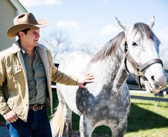 Horsin' around with Jon Pardi in Kentucky! Jon Pardi, Country Music Artists, Kentucky, Cowboy Hats, Animals, Animales, Animaux, Animal, Animais