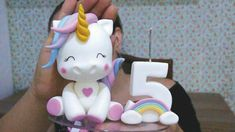 Tutorial Unicorn: the guide from - -How To Express Your Creativity Through Cake Decorating Easy Smoothie Recipes, Easy Smoothies, Fondant Figures, Bolo Da Minnie Mouse, Purple Drinks, Coconut Smoothie, Unicorn Cake Topper, Pumpkin Spice Cupcakes, Unicorn Birthday Parties
