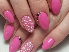 Nail Art Flowers   #nails #flowers #design #flowernails #flowerdesigns #flowerdesign #nailideasflower #nailideas #nailinspired #nailinspiration #nailart #girlythings #nailartheaven Hot Pink Nails, Nude Nails, Gel Nails, Acrylic Nails, Nail Polish Designs, Cute Nail Designs, Magic Nails, Bridal Nail Art, Latest Nail Art