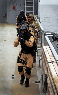 """US Coast Guard MSRT  and some army guys high speed low drag, multicam tactical """"the good guys""""  DSF ar15 M4 water plate carrier MSST PSU TACLET"""