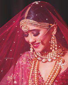 Beautiful bridel look😍💘 Shivangi Joshi Bridal Poses, Bridal Photoshoot, Wedding Poses, Wedding Stills, Indian Bridal Photos, Indian Bridal Makeup, Indian Wedding Photography Poses, Bride Photography, Bridal Makeup Images