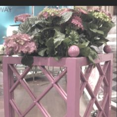 Mirrored planters. Love-ly!