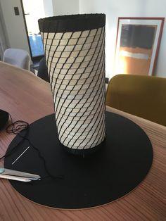 DIY en vannerie spiralée revisitée façon rotin black and white Lampe Tube, Diy, Rattan, Home, Bricolage, Do It Yourself, Homemade, Diys, Crafting
