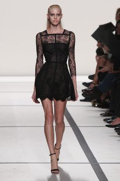 - | How to Look like a French Woman: Lessons from Paris Fashion Week - Yahoo Shine
