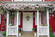 Kleine Lotta ~ Unser Schwedenhaus Kleine Lotta Our Swedish house Kleine Lotta Our Swedish house The Sweden House, Backyard Gazebo, Porch Gazebo, House Information, Porche, Beautiful Farm, Diy Porch, Farm Gardens, House Front