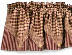 Maroon Lined Five Point Valance - Curtains - Primitive Decor Country Kitchen Curtains, Country Style Curtains, Kitchen Valances, Cafe Curtains, Diy Curtains, Colonial Home Decor, Primitive Curtains, Primitive Kitchen, Western Kitchen