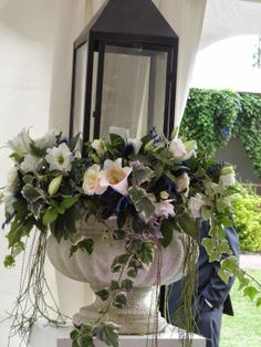 Chic arangment by LC Flowers Bouquets