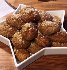 μελομακάρονα1 Christmas Sweets, Pretzel Bites, Muffin, Bread, Breakfast, Ethnic Recipes, Food, Greece, Posts