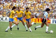 Soccer - World Cup Spain 1982 - Group C - Brazil v Argentina Kids Soccer, Soccer Stars, Sports Stars, God Of Football, Sport Football, Classic Football Shirts, Vintage Football, Soccer World, World Football