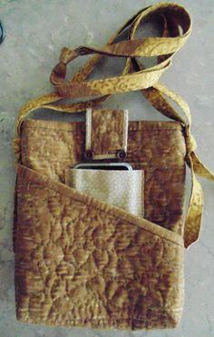 Quilted shoulder purse