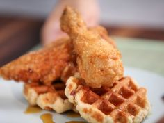 CCTIA208H_Fried-Chicken-and-Bacon-Waffles_s4x3