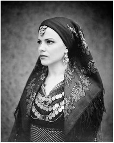 KIM DE MOLENAER PHOTOGRAPHER -   Γυναικεία Παραδοσιακή Φορεσιά του Καβακλί της Βόρειας Θράκης (Ανατολική Ρωμυλία)