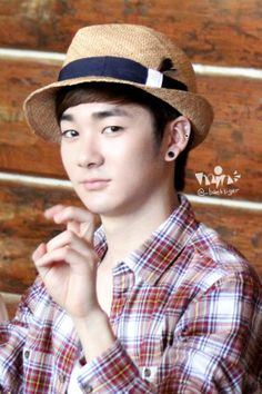 NU'EST/ Aron.... look so cute with this style