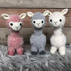 Free crochet pattern: ALPACA - Freubelweb - Look what I found on Freubelweb.nl: a free crochet pattern from CuteDutch to crochet an alpaca www. Crochet Cactus, Crochet Diy, Crochet Amigurumi Free Patterns, Crochet Dolls, Alpacas, Crochet Mignon, Diy Y Manualidades, Knitted Animals, Amigurumi Doll