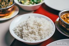 How to Cook Rice Perfectly In a Rice Cooker and On the Stove - Recipes - Reis Rezepte Rice Alternatives, Best Rice Cooker, Pasta Al Curry, Troubles Digestifs, Four Micro Onde, Best Instant Pot Recipe, Sauce Tomate, How To Cook Rice, Food Staples
