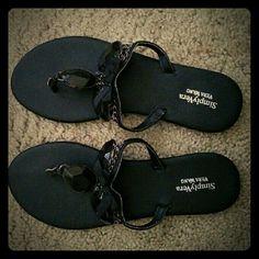 Vera Wang sandals No trade Vera Wang Shoes Sandals