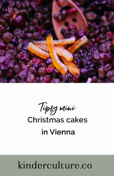 Entertain the kids by making these delectable Christmas cakes. Mini Christmas Cakes, Entertaining, Culture, Blog, How To Make, Kids, Recipes, Young Children, Boys