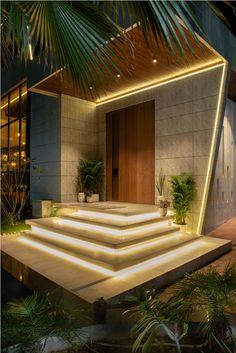 House Main Door Design, House Outer Design, Door Design Interior, Bungalow House Design, Home Entrance Decor, Entrance Design, House Entrance, Main Entrance, Home Decor
