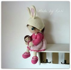 Crochet doll with bunny hat and baby. (Inspiration). By Rusi.