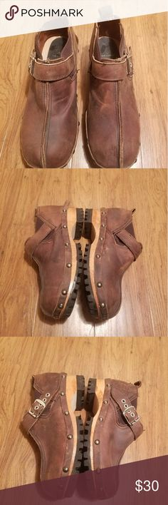 John Fluevog Clog Style Shoes Brand: John Fluevog Size: Womens 6 Color: Brown Price: 29.99 Good condition. Any questions feel free to ask. We give full refunds if we can't solve a major problem.  Thank you.  From: Bnbllc john fluevog Shoes Mules & Clogs