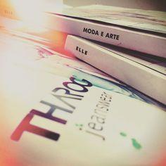 HOJE o dia vem recheado de MODA e ARTE!!!!! Muita inspiração para entrar no…