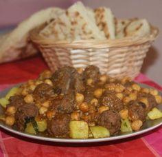 """le mtewem est un plat traditionnel algerien et même algérois,le mtewem se cuisine en deux versions en sauce rouge """"marqa hamra"""" ou sauce blanche """"marqa"""