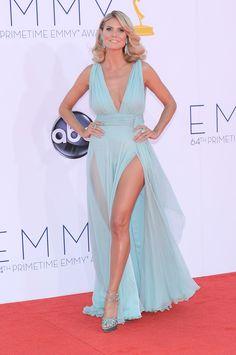 Decote profundo e fenda: o vestido de festa sexy que as famosas adoram usar