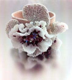 Creme de Cassis Flower  Statement Beaded von LuxVivensFashion