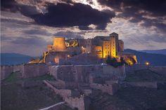 Parador de Cardona (Barcelona). Este recinto fortificado del siglo IX es también un Parador y uno de los castillos mejor conservados y más impactantes de Europa.