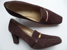 ST.JOHN Suede 3-in Heels Shoes Size-8.5 B  Brown  Made in Italy  Very Good! #StJohn #PumpsClassics