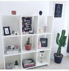 Workspace Inspiration, Room Inspiration, My New Room, My Room, Spare Bedroom Office, House Plants Decor, Modern Bedroom Design, Home And Deco, Beauty Room