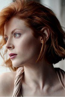 Emily Beecham was born in May 1985 in Manchester, England. She is an actress, known for Daphne The Calling and 28 Weeks Later Emily Beecham, Ginger Models, Into The Badlands, Hollywood Celebrities, Female Celebrities, Celebs, Show Beauty, Female Fighter, Aesthetic Beauty