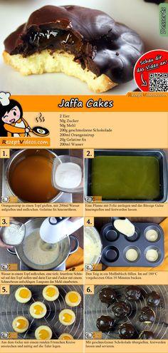 Die beliebten Jaffa Cakes sind halb mit Schokolade überzogene Biskuittaler, mit Erdbeer-, Orangen- oder Kirschgelee gefüllt.  Das Jaffa Cakes Rezept Video findest du mit Hilfe des QR-Codes ganz leicht :) #JaffaCakes #Kekse #Backrezepte #Kuchen #DessertRezept #Dessert #Nachtisch #Gäste #RezeptVideo #RezeptVideos #Rezept