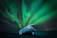plane wreck iceland Nico Rinaldi landscapes photography Online Lessons, Milky Way, Iceland, Plane, Landscape Photography, Northern Lights, Tours, Italy, Fine Art