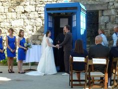 Doctor who has to be incorporated in my wedding some how. Must marry a whovian!!!