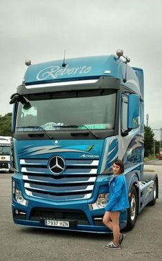 Mercedes Benz Trucks, Volvo Trucks, Peterbilt Trucks, Truck Drivers, Custom Peterbilt, Trucks And Girls, Big Rig Trucks, Toys For Boys, Big Boys