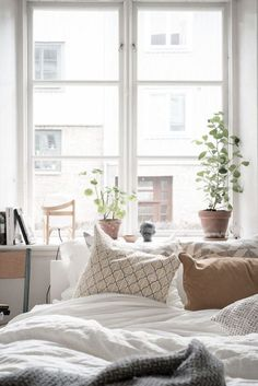 Small apartment Follow Gravity Home: Blog - Instagram -...