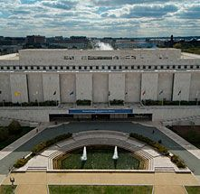 """Smithsonian Museum of American History - Used to be Museum of History and Technology. My pop worked there after I came along and before """"Take Your Child to Work Day"""" he would take me with him. I liked it a lot more before the renovations in 2008-2009."""