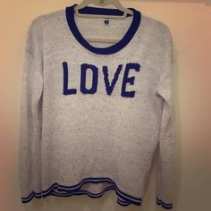 Sweater, size Medium Adorable sweater for winter! Size medium! Tops Blouses