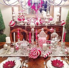 Tonight's Christmas Eve dinner setting, always LOVE my moms house at Christmas time. Christmas Table Set Up, Christmas Eve Dinner, Merry Christmas Eve, Christmas Time, Christmas Ideas, I Love Mom, Christmas Decorations, Table Decorations, Candy Party