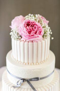 #WeddingCake | See the wedding on #SMP Weddings | http://www.stylemepretty.com/australia-weddings/2013/12/24/maleny-manor-wedding/ Calli B Photography |