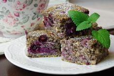 Makový fit koláč s čiernym hroznom | Pečené-varené.sk