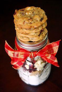 Life Tastes Good: Cranberry HootyCreeks (Gift in a Jar) #Christmas #cookies #giftinajar #holiday #gift